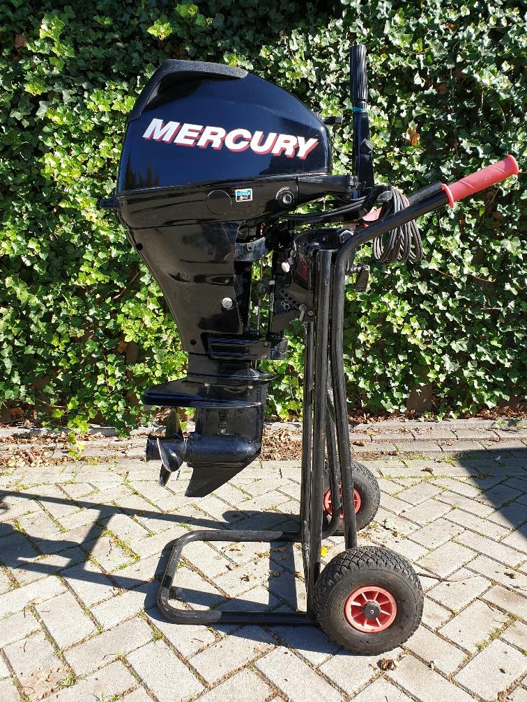 Mercury 15pk 4atkt in Nieuwstaat. Kortstaart, elektrische start, knuppelbedienig