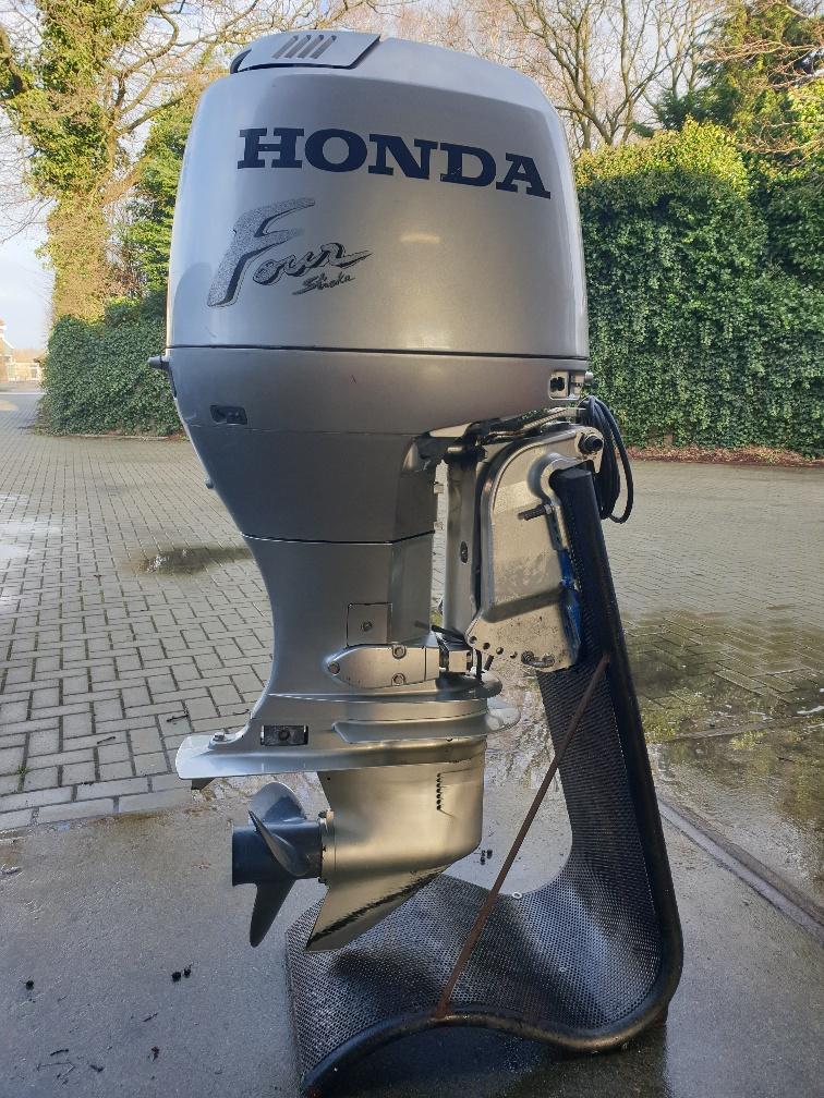 Honda 90pk 4takt. Langstaart, Powertrim, Afstandsbediening, Elektrische start.