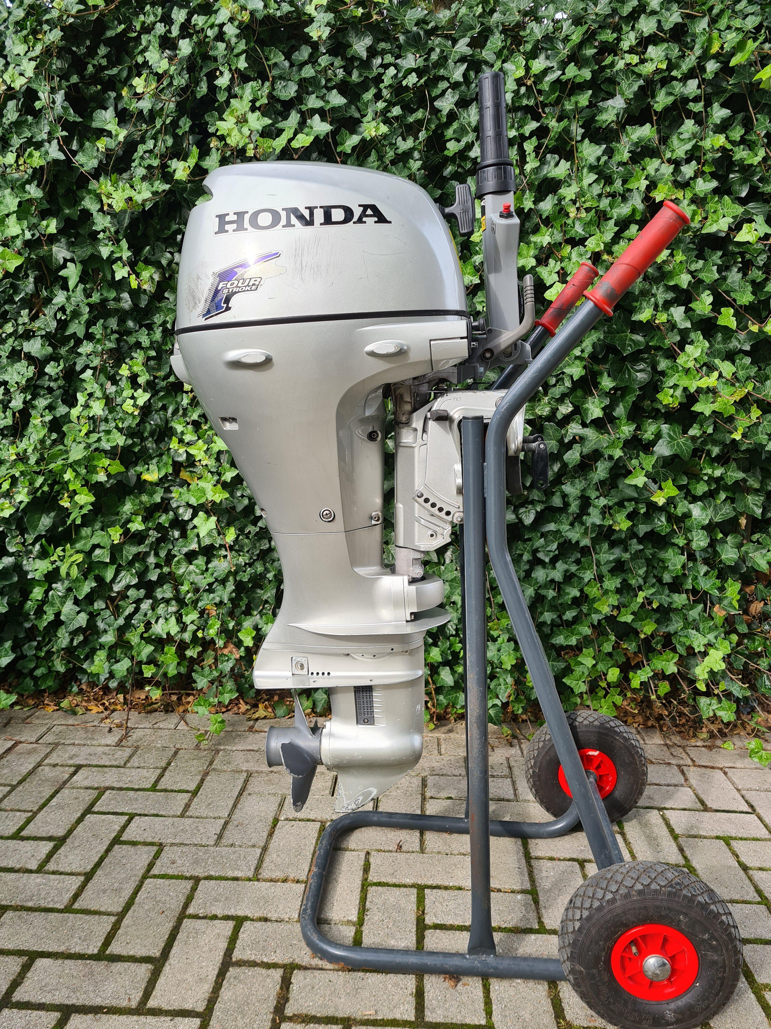 Honda 10pk 4takt, kortstaart, knuppelbediening, handstart